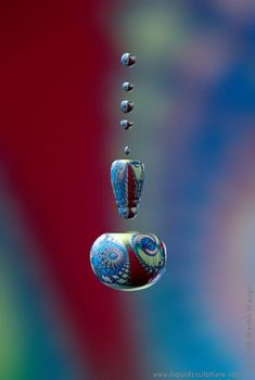Reflections ~ Liquid Sculpture - Fine art photography of drops and splashes, (c) 2011 Martin Waugh