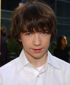 Liam Aiken who plays Klause on A Series of Unfortunate Events he's cute in this pic