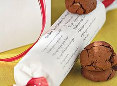 May use this to make and freeze GF cookie dough! Give Cookie Dough Gifts Print your favorite cookie recipe and baking instructions on white paper or vellum. Tie it around a frozen log of dough wrapped in parchment for an easy Christmas gift. Holiday Treats, Christmas Treats, Christmas Baking, Holiday Fun, Holiday Recipes, Holiday Gifts, Homemade Christmas, Christmas Kitchen, Favorite Holiday