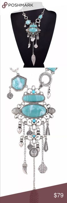 Stunning Statement Necklace Brand New Boutique Quality Absolutely Stunning Additional information provided above. If you have any questions please don't hesitate to ask ™Julie Lynn Jewelry Necklaces