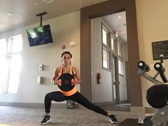 Side Lunge Muscles Worked Primary: Quadriceps  Secondary: Glutes and Hamstrings Tip: Your toes should be pointing forward and keep your head and chest up. Remember to hold the contraction at the end of the motion!