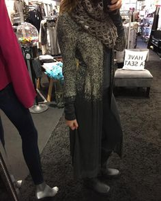 """This cardigan is to die for plus it has a hood!! """"Speckled Long Cardigan"""" (($78$)) Gotta  FREE SHIPPING! Call to order 440.893.9279 or email: sales@sanitystyle.com #sanitystyle #sanitychagrinfalls #shoplocal #chagrinfalls #shopchagrinfalls #boutique #freeshipping #cleveland #clevelandfashion #clevelandstyle #style #shop #cle #thisiscle #love #selloninsta #instasale #fashionpost #beautiful #picoftheday #shopping #shopaholic #shopinstagram #obsessed"""