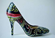 www.cewax.fr aime les chaussures de style ethnique, tendance tribale. Retrouvez tous les articles sur la mode afro sur le blog de CéWax: http://cewax.wordpress.com/ et des sacs et bijoux ethniques en boutique: http://cewax.alittlemarket.com. #African prints shoes african prints pattern fabrics, kitenge, kanga, pagne, mudcloth, bazin, Style ethnique, tribal, #wax, #ankara, #kente, #bogolan, #Africanprintfashion, #ethnotendance -