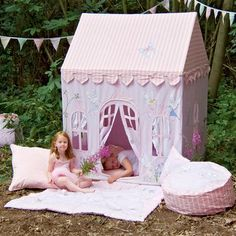 Win Green Large Fairy Cottage