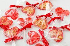 バレンタインはチョコだけじゃない!! 手作りのハート形ロリポップで女子会を盛り上げよー!