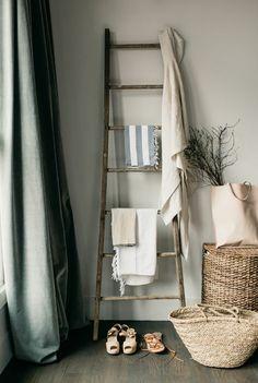Wooden Ladder, Ladder Decor, Residential Interior Design, Home Interior Design, Rustic Bathrooms, Home Decor Inspiration, Powder Room, Living Room Decor, Home And Garden