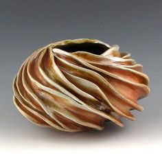 Precious Wood Fired Carved Sculptural Ceramic por jtceramics