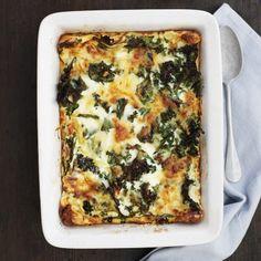 En rätt som lagar sig själv i ugnen, perfekt! Recept av Sara Ask Ost, Quiche, Zucchini, Recipies, Breakfast, Drinks, Lasagne, Summer Squash, Recipes