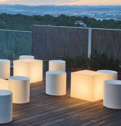 Comprar Lámpara mesita tipo cubo con o sin cables 32cm | Tienda de lámparas, lámparas de LED, ventiladores de techo, decoración