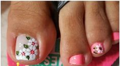 ❤ Cute flower nail art on big toe! Toe Nail Designs, Acrylic Nail Designs, Great Nails, Cute Nails, Trendy Nail Art, Flower Nail Art, Toe Nail Art, Nail Artist, Diy Nails