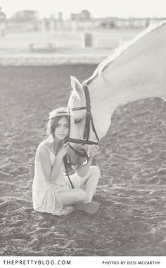 little girl and her horse <3 http://www.theprettyblog.com/family-and-kids/little-girl-horse/ photography @Desiree Martinez Blessin McCarthy