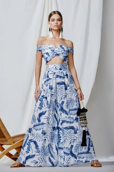 Exclusive Lord Derby Georgette Pants by Johanna Ortiz Fashion Line, Boho Fashion, Girl Fashion, Fashion Outfits, Fashion Design, Honeymoon Attire, Haute Couture Fashion, Simple Dresses, Traditional Dresses