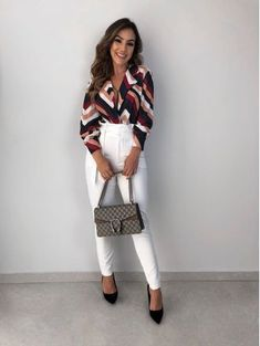 Calca-Reino-Off Casual Outfits, Cute Outfits, Fashion Outfits, Womens Fashion, Fashion Trends, Lawyer Outfit, Work Fashion, Fashion Fashion, Professional Outfits