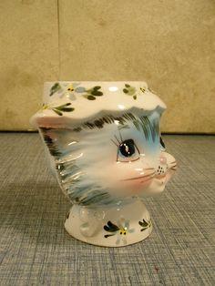 Vtg. 50s #1510 LEFTON EGG CUP HOLDER MISS PRISS CAT KITTY KITTEN | eBay Egg Coddler, Eggs, Cat Egg, Vintage Egg Cups, Miss Priss, Kitsch, Soldiers, Lust, Old Things