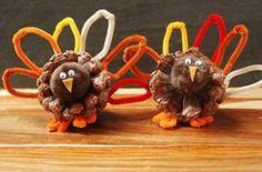 Pine Cone Crafts #turkey #thanksgiving #kids #children #preschool #prek #pinecone #november #craft #diy #kindergarten #kidstable #decoration #activity #family #home #dinner #pipecleaner