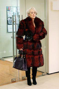 "Miranda Priestly (Meryl Streep) in ""The Devil Wears Prada"" Miranda Priestly, Devil Wears Prada, Meryl Streep, Fox Coat, Red Fur, Funny Fashion, Fashion Movies, Tutu, Mantel"
