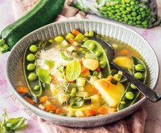 Zeleninová polévka s hráškema cuketou | Recepty Albert