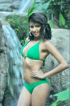 Traje de baño, Unicolor Verde  #Modelo: Karina Hernandez #Fotografía: Carlos Rodriguez