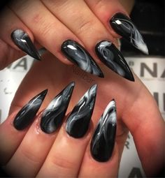 Nail art is a very popular trend these days and every woman you meet seems to have beautiful nails. It used to be that women would just go get a manicure or pedicure to get their nails trimmed and shaped with just a few coats of plain nail polish. Witchy Nails, Goth Nails, Goth Nail Art, Grunge Nails, Dark Nail Designs, Nail Art Designs, Nails Design, Stiletto Nail Designs, Dark Nails