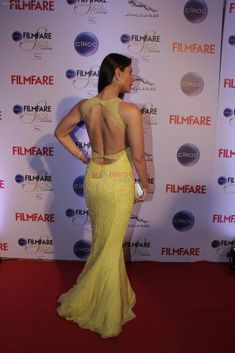 Kareena Kapoor Khan at Ciroc Filmfare Galmour and Style Awards in Mumbai, Feb in gorgeous shade n fabric in yellow - backless gown. Prettiest Actresses, Hot Actresses, Beautiful Actresses, Indian Actresses, Indian Actress Hot Pics, Bollywood Actress Hot Photos, Indian Bollywood Actress, Bollywood Theme, Bollywood Girls
