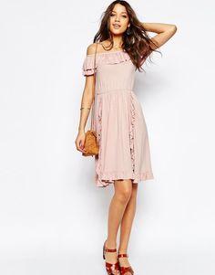 ASOS Tall | ASOS TALL – Schulterfreies Jersey-Sommerkleid mit Rüschen bei ASOS