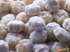 TVAROHOVÉ CUKROVÍ Slovak Recipes, Czech Recipes, Raw Food Recipes, Baking Recipes, Sweet Recipes, Cookie Recipes, Czech Desserts, Sweet Desserts, Christmas Biscuits