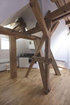 foorni.pl | MIESZKANIE Z WIEŻYCZKĄ - kuchnia, elementy konstrukcyjne, poddasze
