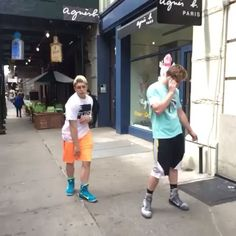 Logan Paul's post on Vine lol Logan Paul Kong, Logan Jake Paul, Cute Boys, Babe, Swag, Walking, Random, People, Cute Teenage Boys