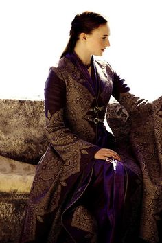 Sansa Stark ~ Game of Thrones - the cloak would work really well for an evil queen Medieval Costume, Medieval Dress, Medieval Clothing, Historical Clothing, Medieval Fashion, Got Costumes, Movie Costumes, Costume Ideas, Game Of Thrones Costumes