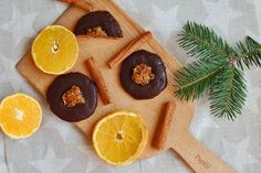 fitshaker-vianocne-pecenie Christmas Sweets, Christmas Baking, Christmas Cookies, Sweet Recipes, Sugar, Fit, Desserts, Xmas Cookies, Tailgate Desserts
