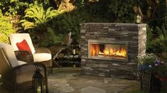 The Regency Horizon is a contemporary outdoor gas fireplace that creates a beautiful focal point for your outdoor living space & keeps you warm all night long