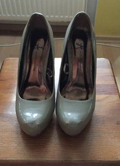 Kup mój przedmiot na #vintedpl http://www.vinted.pl/damskie-obuwie/na-wysokim-obcasie/9131983-buty-w-kolorze-nude