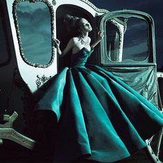 Cenerentola la immaginate così? #couture #green