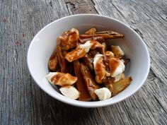 Eat cook and love: Poutine à la Bob Le Chef Poutine, Bob, Le Chef, Healthy Recipes, Healthy Meals, French Toast, Chicken, Cooking, Breakfast