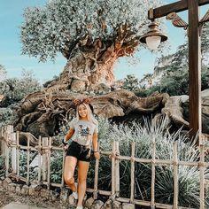 Disney Time, Disney World Trip, Parque Universal, Disney Poses, Cute Disney Pictures, Disney College Program, Creative Portrait Photography, Disney Aesthetic, Adventures By Disney