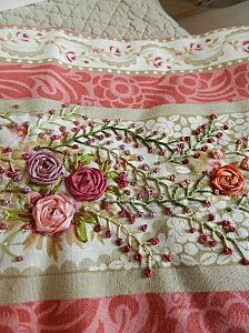 Vintage linen ... pinks, greens, and raised flowers by Plume de lin