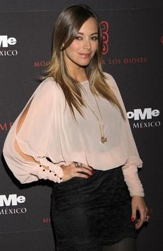 love her style Love Her Style, Cut And Style, Maria Elisa, Cut And Color, Hair Looks, Sexy, Ruffle Blouse, Celebrities, Swift