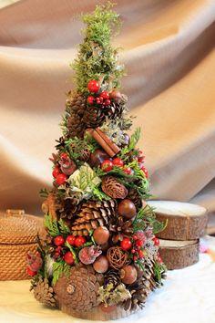 Christmas Arrangements, Christmas Centerpieces, Floral Arrangements, Christmas Decorations, Holiday Decor, Christmas Time, Christmas Wreaths, Christmas Crafts, Pine Cone Crafts