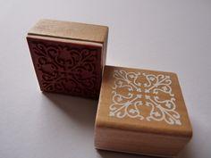 1 Holzstempel mit Motiv Ornament  Blütenranke Blumenranke      Der Stempel ist ca 40x40mm groß und 22mm hoch       Ideal zum Basteln und für Scrapb...