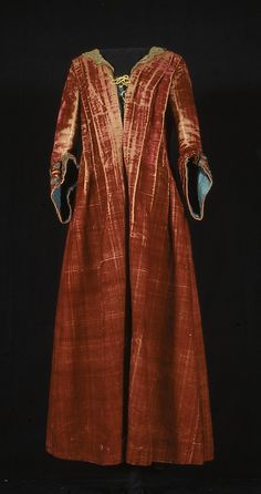 Womans Gown (Robe á la française) (1700s)