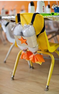 Rocket Ship Birthday Party - fun decorating or craft idea for a space or alien party for kids.Cardboard Spaceship using Makedo screws by Zygote Brown DesignsWe love this idea for an outer space/rocket ship birthday party. A cute, and easy DIY for your bir Alien Party, Astronaut Party, Astronaut Craft, Superhero Party, Astronaut Birthday Party Ideas, Diy Astronaut Costume, Rocket Birthday Parties, Birthday Party Themes, Boy Birthday
