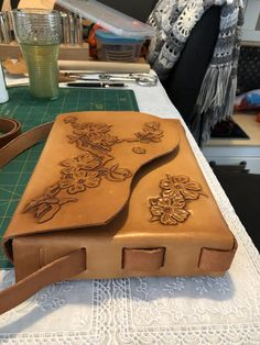 Leather Carving, Leather Art, Custom Leather, Leather Belts, Leather Purses, Leather Handbags, Leather Wallet, Leather Tooling Patterns, Leather Pattern