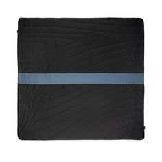 The Super Fleece blanket is designed is made with high-performance outdoor fabrics. One side repels water and debris, the other super-cozy and antimicrobial.