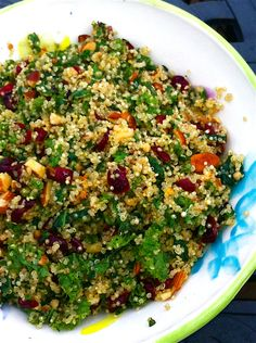 Quinoa and Kale Winter Salad with cranberries, raisins, walnuts, and parmesan. Minus quinoa and Parmesan Kale Recipes, Healthy Recipes, Healthy Salads, Vegetarian Recipes, Healthy Eating, Cooking Recipes, Kale Salads, Recipes Dinner, Dinner Ideas