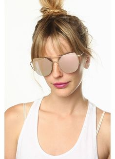 Metal frame sunglasses with color mirror lenses. Round Sunglasses, Sunglasses Women, Mirrored Aviators, Mirrored Sunglasses, Cheap Designer, Optician, Sunglass Frames, Prescription Lenses
