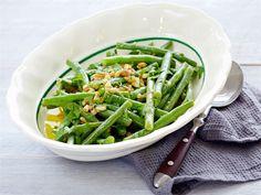 Vihreät pavut maustevoin kera