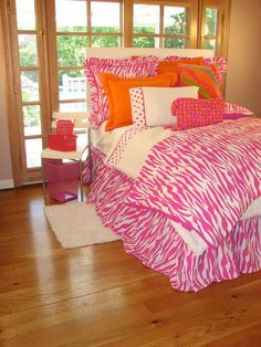 Hot Pink Zebra Bedding - Contemporary and modern bedding is offered in comforter sets and duvet cover sets in a crisp, clean contemporary and modern look. These bedding sets designed for todays home will add a great look. Pink Zebra Bedrooms, Teen Girl Bedrooms, Teen Bedroom, Dream Bedroom, Bedroom Ideas, Awesome Bedrooms, Beautiful Bedrooms, Zebra Print Bedding, Teen Bedding Sets