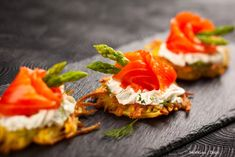 smoked salmon fillets, wrapped around asparagus tips, hor d oeuvres, on top of a cracker, with a creamy spread Tapas, Appetizer Recipes, Appetizers, Beef Fillet, Salmon And Asparagus, Tomato Cream Sauces, Vol Au Vent, Potato Pancakes, Photography Tips For Beginners