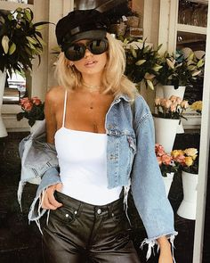 47 Casual Styles Ideas With Denim Jacket - Trendfashionist Look Fashion, Fashion Outfits, Womens Fashion, Fashion Trends, 90s Fashion, Spring Summer Fashion, Winter Fashion, Jacket Outfit, Alternative Rock