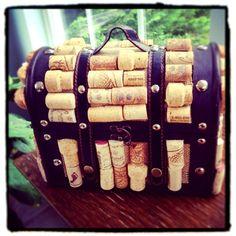 "Mandaline Artful Living: The ""Wineaux"" pocketbook"